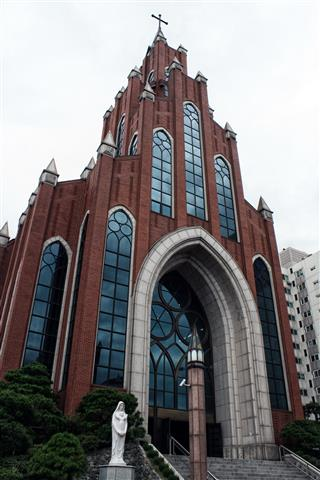 Korea - Yeoksam Catholic Church 2 (Small)