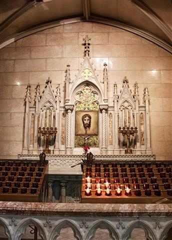 USA-NY-St. Patrick's Cathedral 2 - Altar Of The Holy Face (Small)
