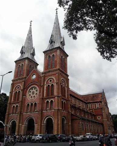 Vietnam - Saigon Notre-Dame Basilica 3 (Small)